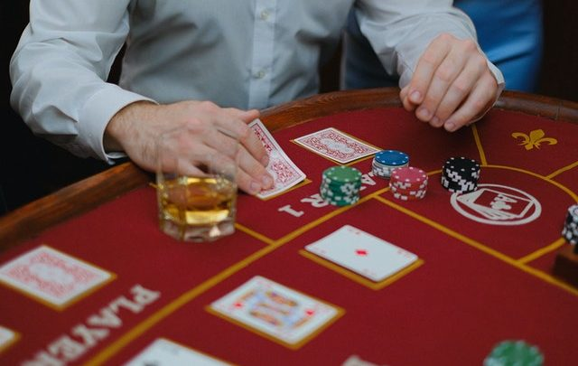 Various types of bonuses are available online Casino